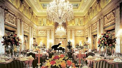 interior, candles, bouquet, Chandelier, tables, piano - image